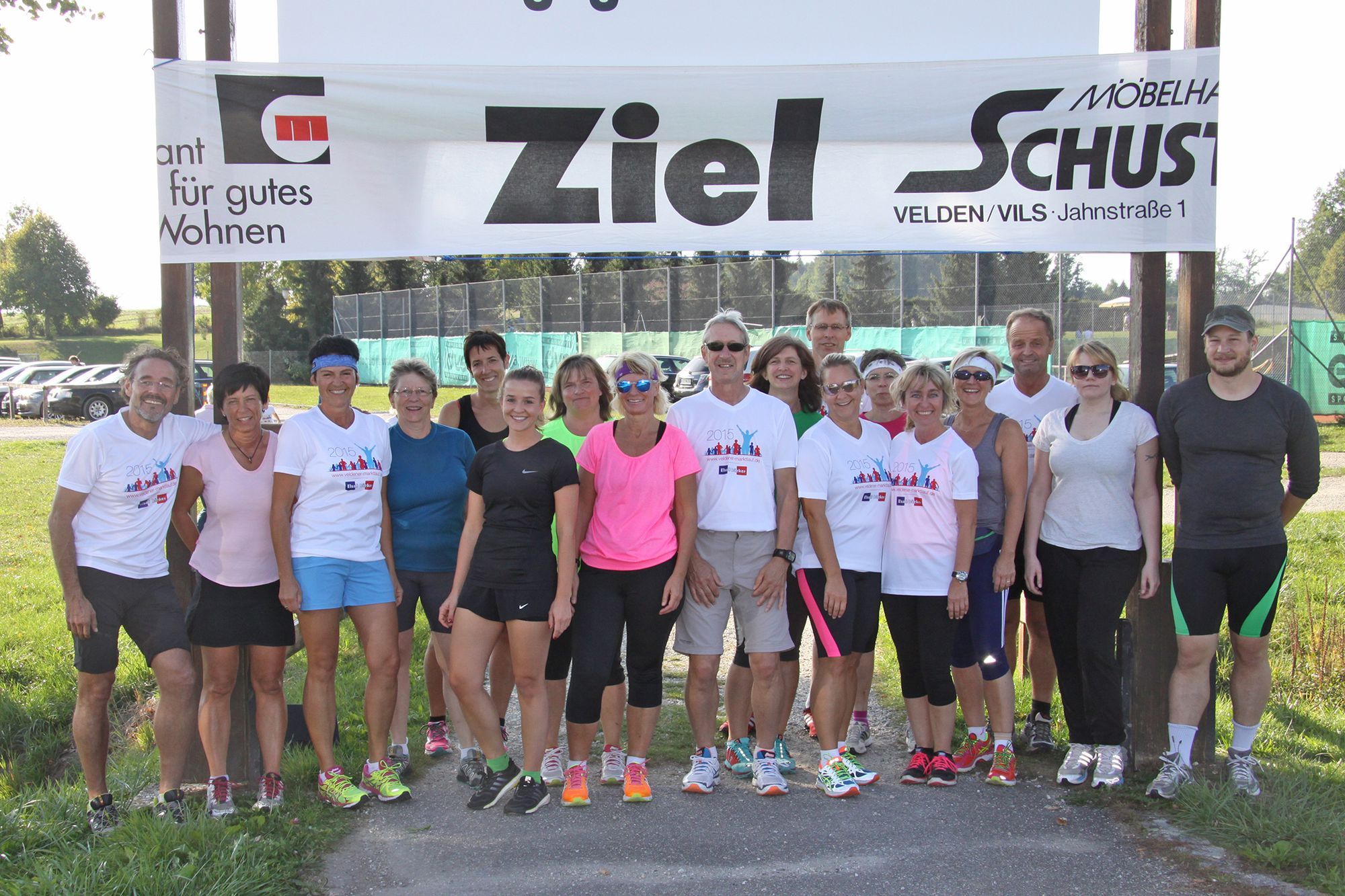 Die Lauf-10-Gruppe ging in den Abendstunde auf eine 10-Kilometer-Runde